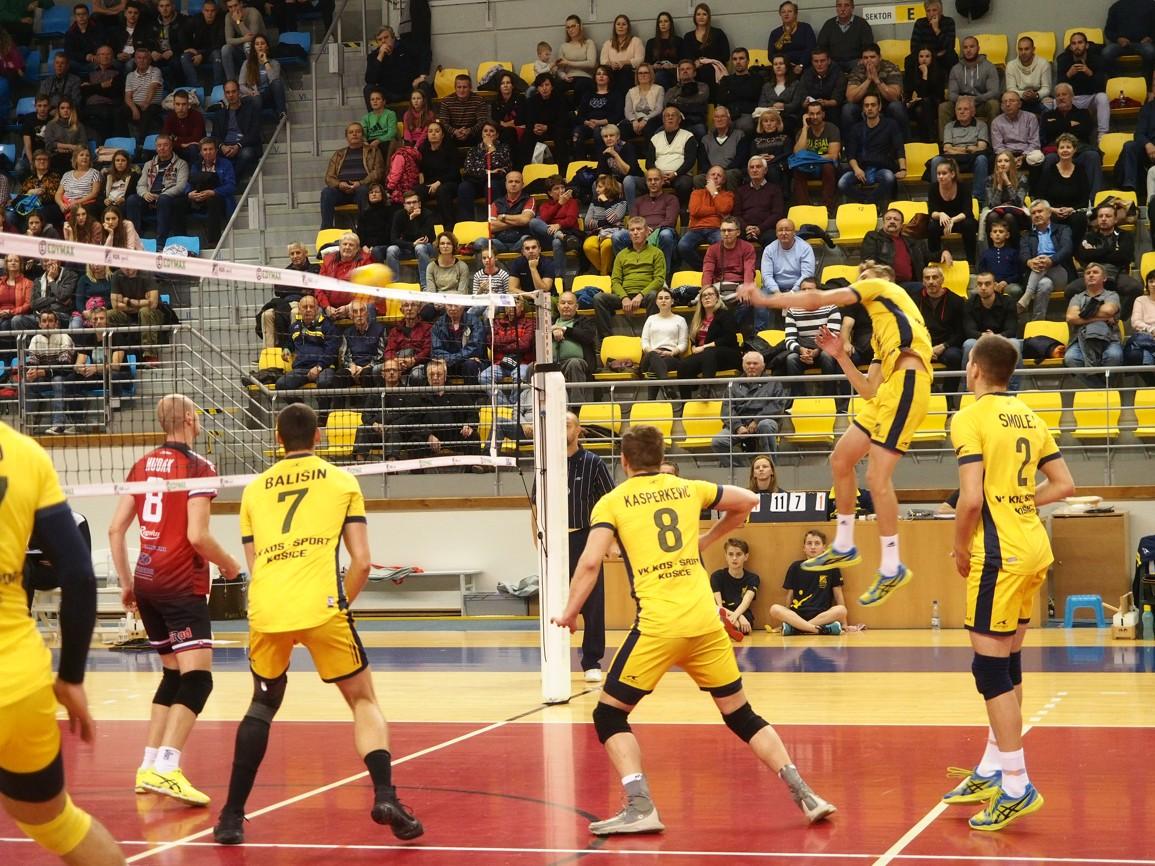 Patrik Lamanec potiahol Košičanov k výhre 29 bodmi. FOTO: VK KDS-Šport Košice